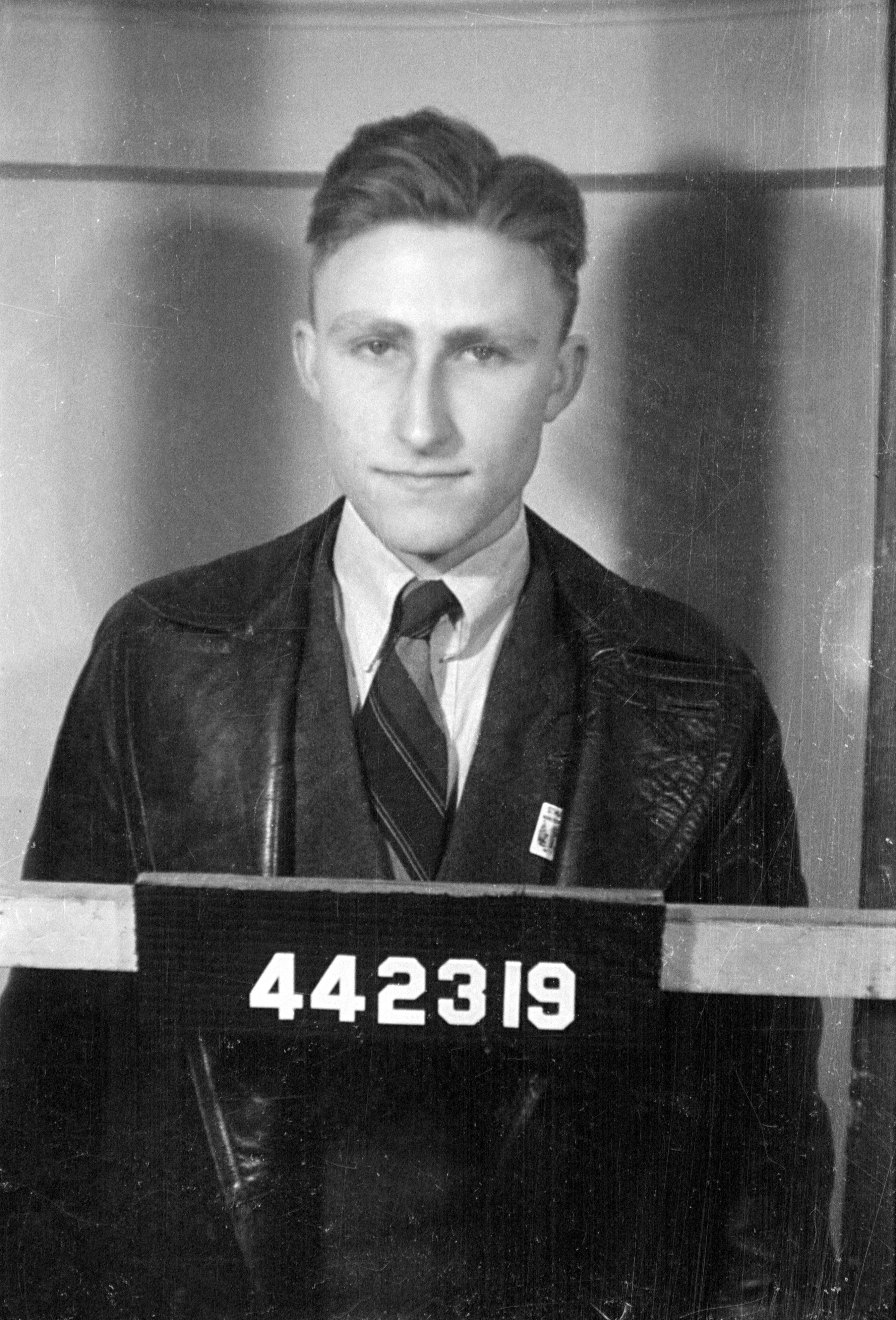 ANWYL, Paul Illtyd (RAAF 442319) portrait