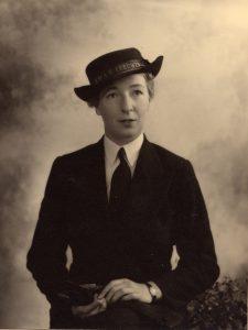 (1) LEWIS, Gwenneth (WR_2399), portrait