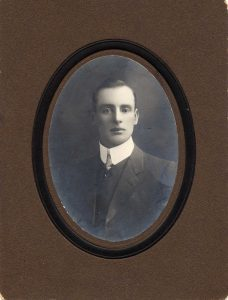 (2) FARMER, Melville Orchard (S_N 76), portrait as younger man
